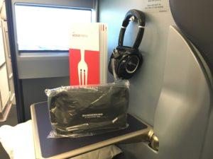 Airberlin Business Class Amenity Kit, Menu und Kopfhörer